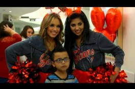 Embedded thumbnail for Texans spread love at Texas Childrens Hospital